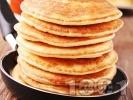 Рецепта Малки (мини) американски палачинки от прясно мляко, брашно и яйца с кленов сироп или течен шоколад (оригинална класическа рецепта)